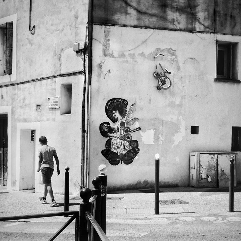 Le visuel Jeanette collé dans Montpellier